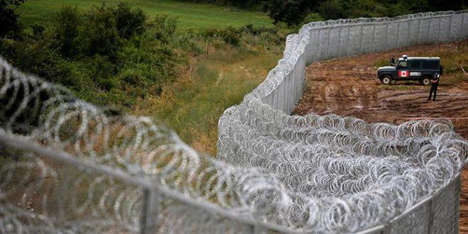 wall_canada_border_migrants